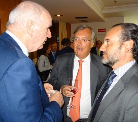 José Antonio García Belaunde, Antonio Pérez- Hernández e Ignacio Corlazzoli