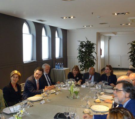 José Ignacio Salafranca, Carolina Barco, Roberto Ampuero, José Luis López- Schümmer, Susana Malcorra, Francisco Fonseca y Ana Helena Chacón