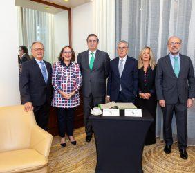 Ángel Durández, Rebeca Grynspan, Marcelo Ebrard, Ramón Jáuregui, Trinidad Jiménez y Embajador Juan López-Dóriga