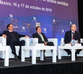 Subsecretario Cedric Iván Escalante, Max Zurita y Alberto Bello durante la sesión