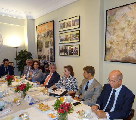 José Humberto Solorza, Juan Salas, María Salvadora Ortiz, Enrique Barón, Ana Helena Chacón, José Ignacio Salafranca y José María Torroja