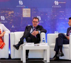 Embajadora Margriet N. Leemhuis, Embajador Peter Tempel y Javier Rosado