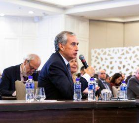 Ramón Jáuregui, Presidente de la Fundación, interviniendo desde el público