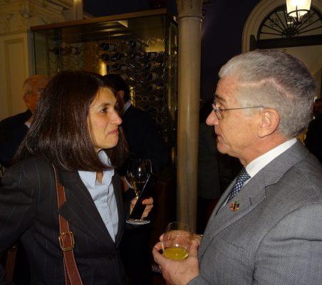 Gloria Mínguez (M. Exteriores) y Manuel Butler (OMT)
