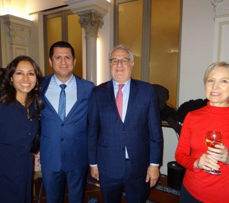 Elsa García, Juan Antonio Martínez y Doris Seedorf