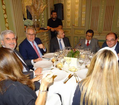 Gonzalo Babé, Juan Antonio Martínez, Rafael Sánchez, Enrique Vargas, y Carlos Ávila