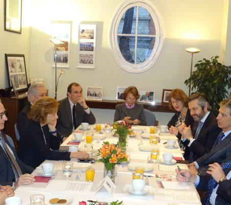 Invitados al desayuno-coloquio con el presidente de AEB
