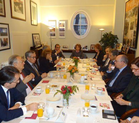 Invitados al desayuno-coloquio con José María Roldán