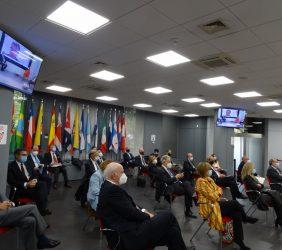 Público asistentes durante el acto de presentación del Informe