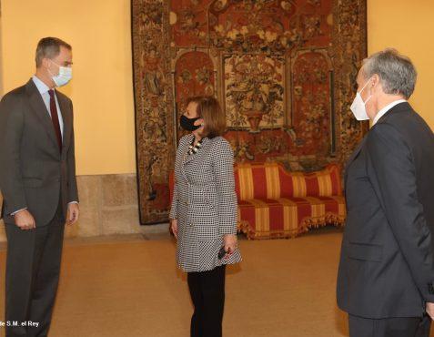 Audiencia de S.M. El Rey a la F.Euroamérica. Cristina Gallach y Ramón Jáuregui (2)