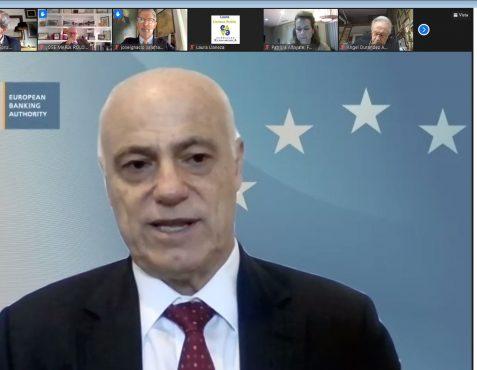 El Presidente de la Autoridad Bancaria Europea durante el coloquio