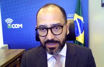 Vitor Elisio Goés de Oliveira Menezes, Secretário Executivo do Ministerio das Comunicações de Brasil