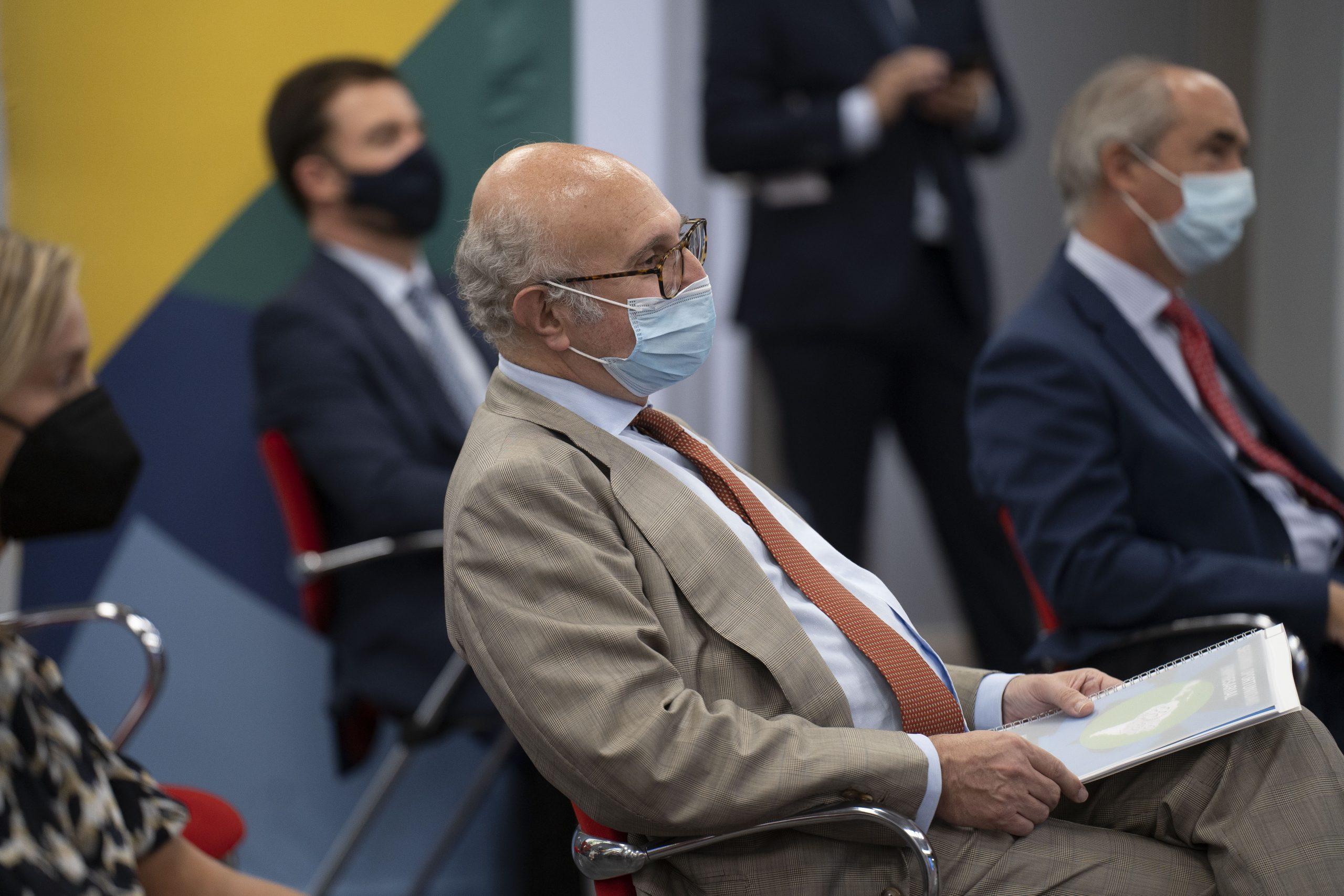 Juan Fernández Trigo, entre los asistentes
