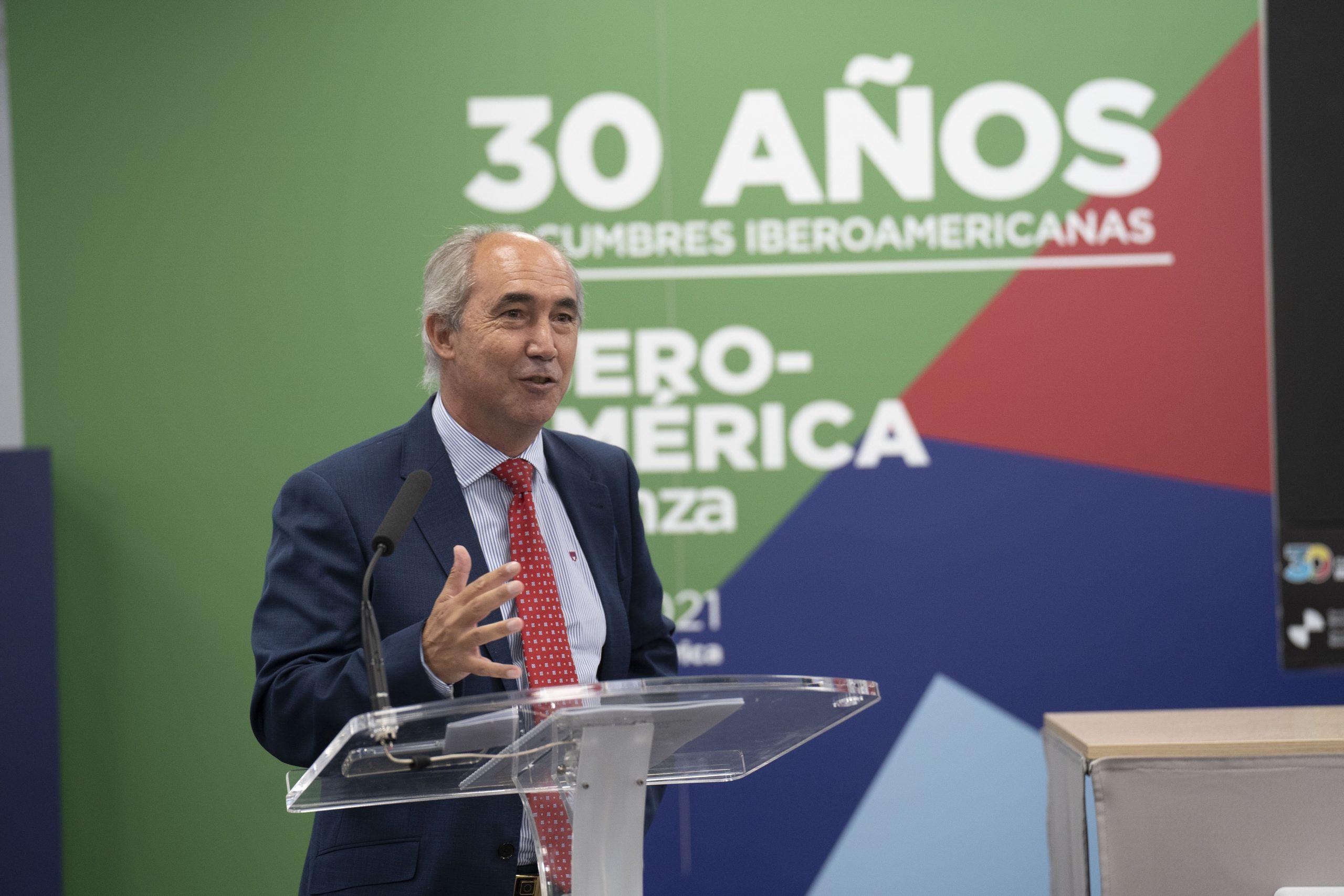 Director del Informe, Manuel Balmaseda