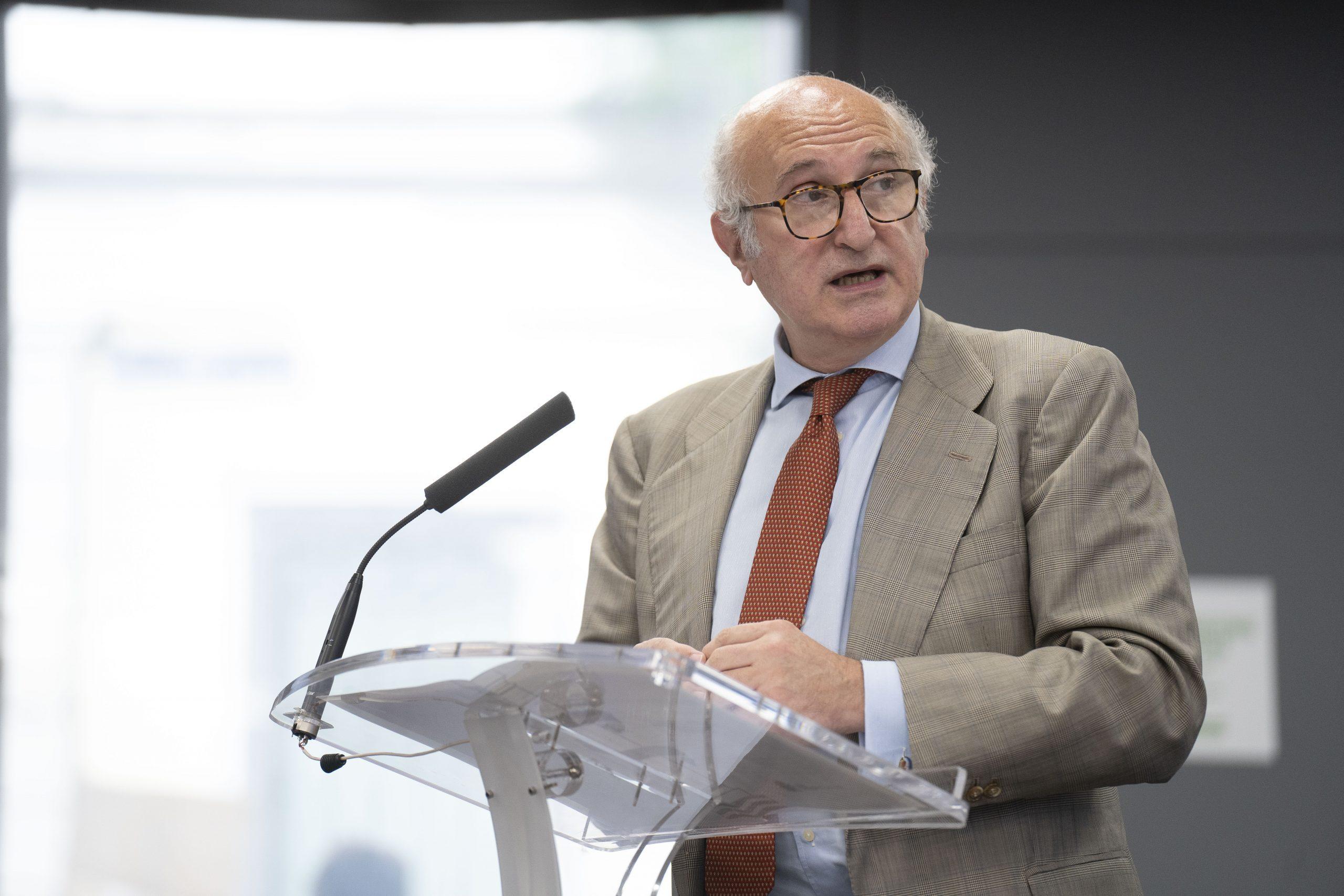 Juan Fernández Trigo, Secretario de Estado, durante su intervención